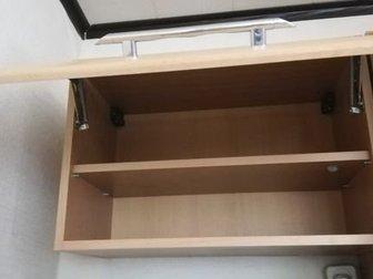 Кухня б/у в хорошем состоянии,  Вытяжка, раковина и смеситель отдаю вместе с кухней,  Холодильник не продаётся, в Новосибирске