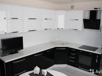Кухонный гарнитур по Вашим размерам,  Индивидуальные дизайнерские решения у вас дома,  Современные материалы, конкретные сроки изготовления,  Фасады - пластик, ПВХ, в Новосибирске