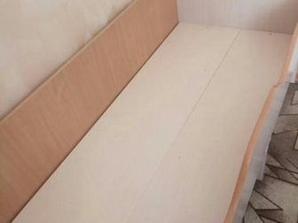 Кровать в хорошем состоянии 1, 80 ? 70, с бортиками с двух сторон,  Цена без матраса, все вместе 3500 р,   Можно маленьким деткам, безопасно), в Новосибирске