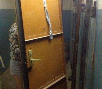 Фото в Строительство и ремонт Двери, окна, балконы Забираем стальные двери любой этаж. Услуга в Новосибирске 0