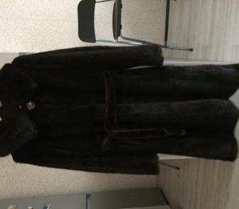 Фото в Одежда и обувь, аксессуары Женская одежда Норковая шуба с капюшоном. Цвет махагон. в Новосибирске 40000
