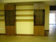 мебель для офиса Продам мебель для офиса:  1. Шкафы книжные и для одежды.   2. С