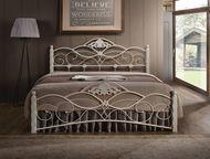 Кованная двуспальная кровать канцола Классическая кованная двуспальная кровать с