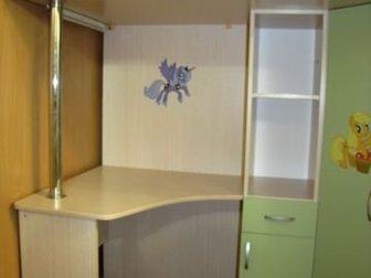 В связи с переездом продаем детский уголокВместительный шкаф,  Над столом встроена лампа, Мало б/у! Матрац не идет в комплектеРазмеры всей конструкции: ширина 190см, в Петрозаводске