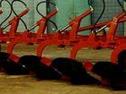 Свежее фотографию Почвообрабатывающая техника Плуг 5-ти корпусный навесной ПГП-5-40-3 38452931 в Пскове