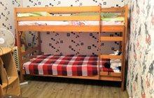 двуярусная кровать из натурального дерева