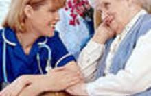 Как убедить бабушку взять помощницу по дому?