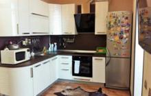 Продаю 3х комнатную просторную квартиру, большая кухня-столо