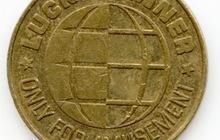 Два жетона и монета 1Р для коллекции