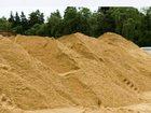 Фото в Строительство и ремонт Строительные материалы Продажа песка на площадке Левашово. Самовывоз в Санкт-Петербурге 200