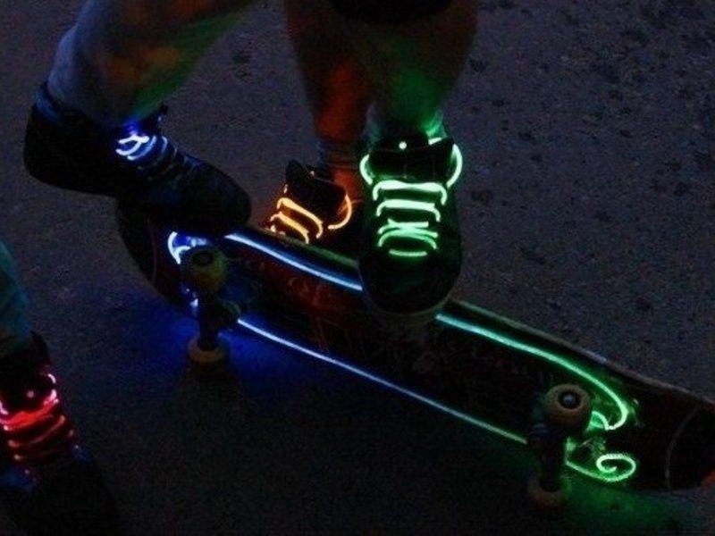 Как сделать светящиеся шнурки из чего 670