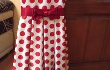 Продаю платье для девочки праздничное