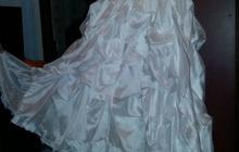 Продам свадебное платье с ручной вышивкой