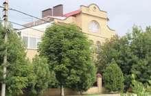 На земельном участке расположен второй двухэтажный дом охран
