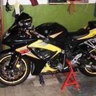Продам мотоцикл Suzuki GSX-R750