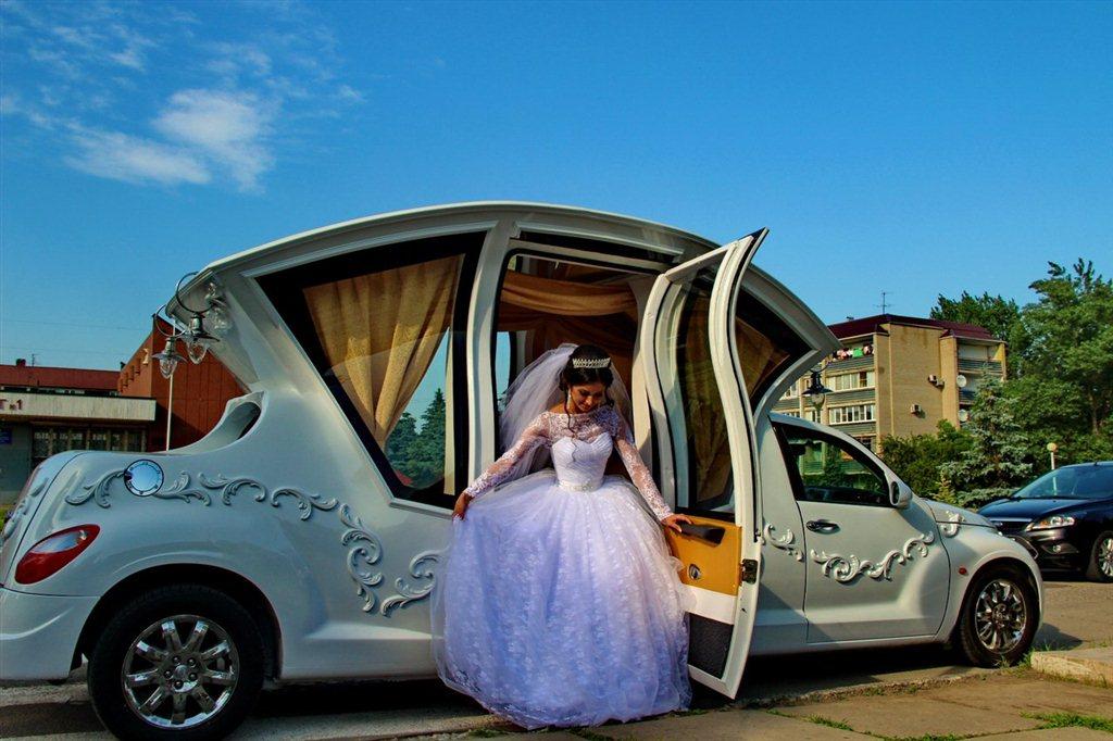 Сколько стоит лимузин в аренду на свадьбу