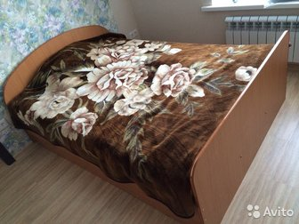 Продам двуспальную кровать (140 на 200),  Состояние отличное,  С матрацем, в Уфе