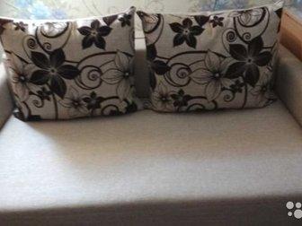 Продам двухместный диван в отличном состоянии,  Продажа в связи с переездом в Уфе