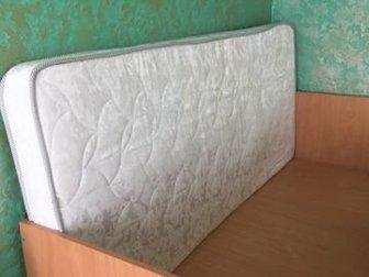 Продам детскую кровать ширина 90см длина 180см   матрас ( ортопедический верх натуральный хлопок с мягкой одной стороной и жесткой с другой),  Продаётся с матрасом!Кровать в Уфе