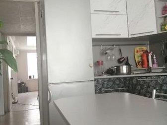 Натяжные потолки, евроокна, балкон застекленный, встроенная кухня, встроенные шкафы, чистый подъезд, квартира очень тёплая,продаю в связи с переездом, Адрес: Астраханская в Знаменске